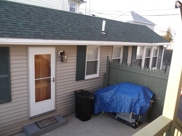 Old Orchard Beach cottage with a view