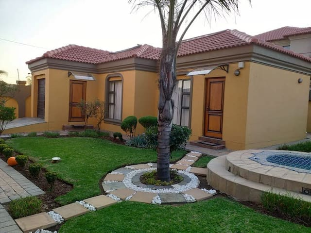 Cute cottage in the South of Johannesburg