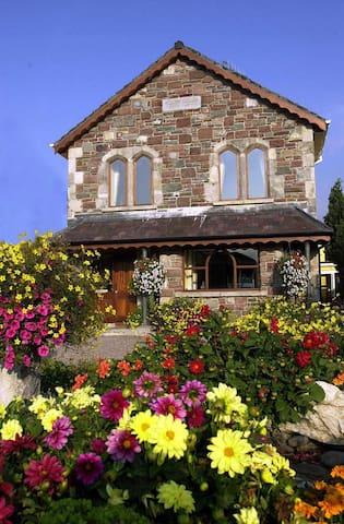 Abbey Lodge Twin Room