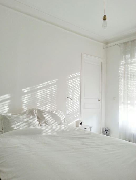 Soleil côté chambres et sbd le matin