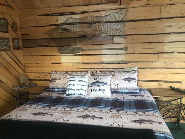 Wrangell Mountain Lodge, Fishing Cabin.