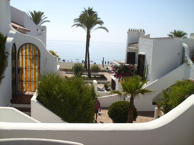 APARTMENT BYTHE SEA COSTA DEL SOL - La Duquesa - Appartement
