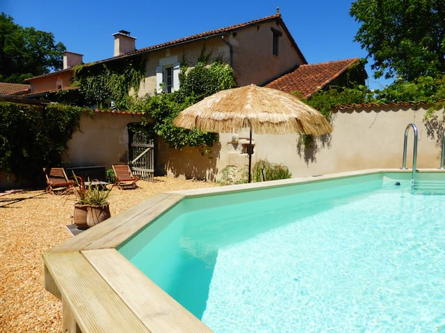 Beautiful countryside cottage with pool - Festalemps - Casa