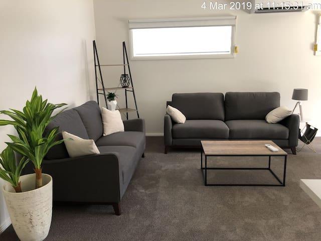 Ararat - Private room with private living area