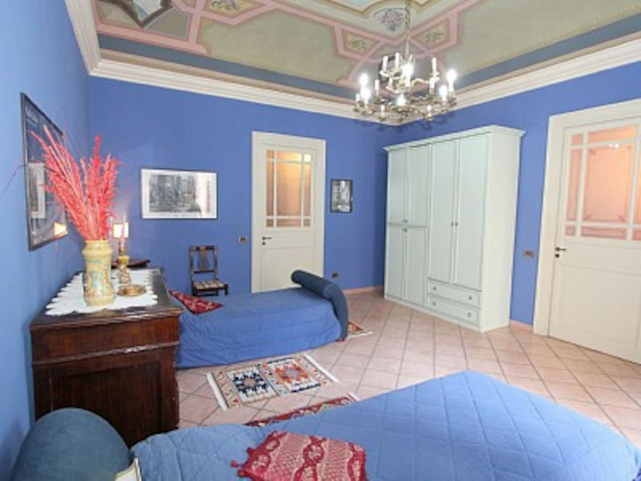 24 sm room with balcony. The room is available for 1, 2 or 3 people.