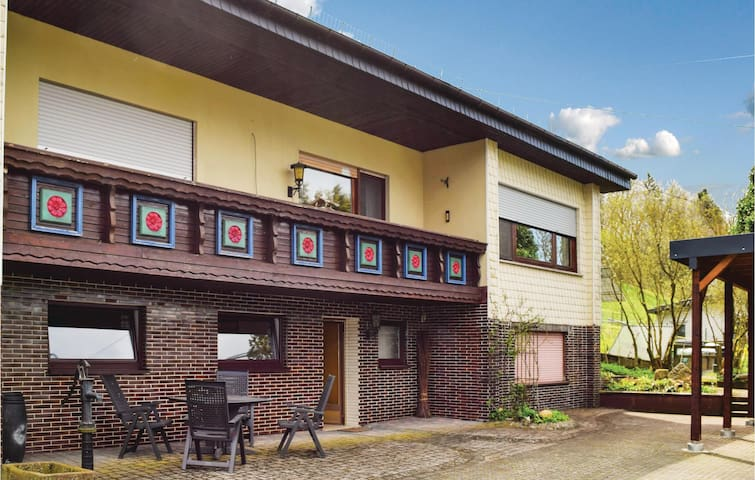 Holiday apartment with 2 bedrooms on 60m² in Sellerich