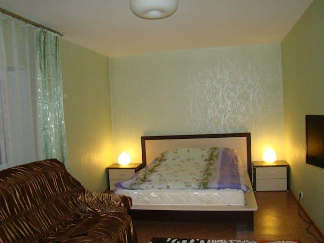Уютная,чистая квартира в новом доме - Pechory - Apartemen