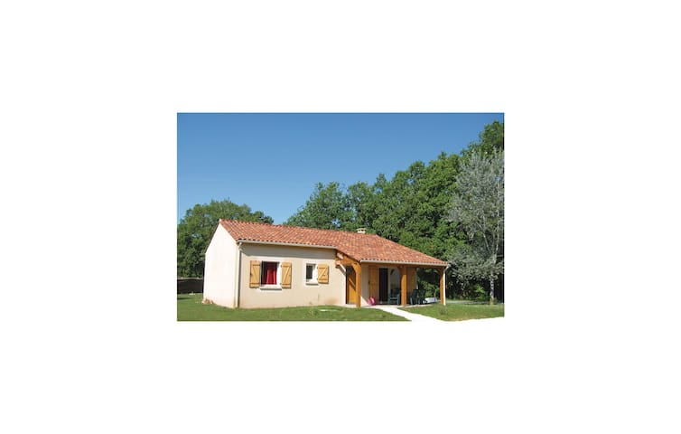 Holiday cottage with 3 bedrooms on 115 m² in Lanzac