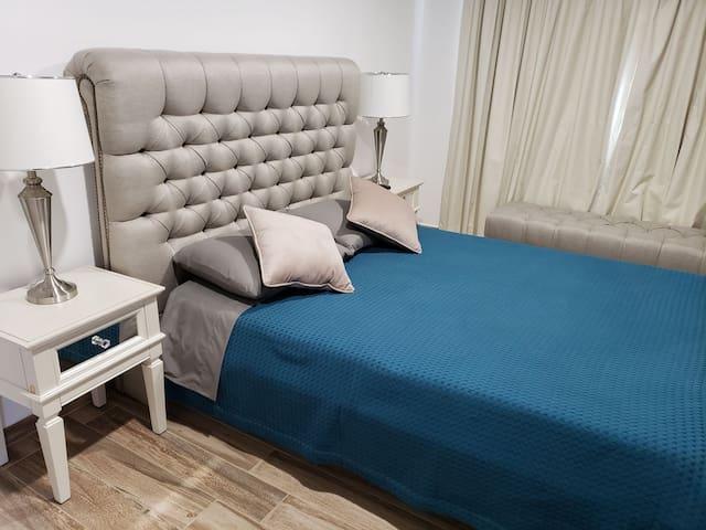 Casa elegante y confortable. Única con sala d Cine