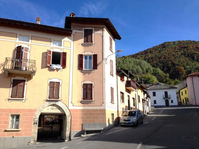 2-Bedroom in Medieval setting_Lake Como_Top Floor - San Fedele Intelvi