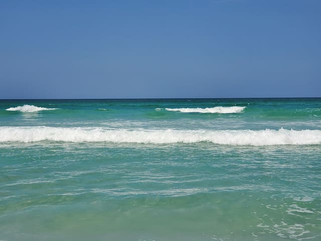 New Smyrna Beach - How Sweet Beach Retreat.