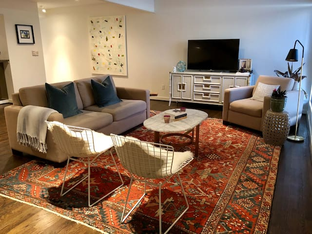 Stylish space in Oak Lawn/Uptown Dallas