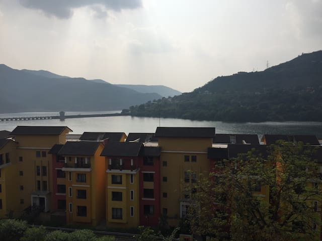 Lake View,Fully Furnished AC Studio - Lavasa - Apartment