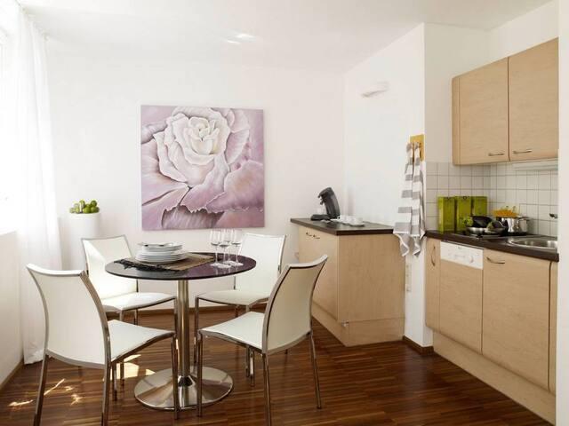 Marc Aurel Strasse -  living room style