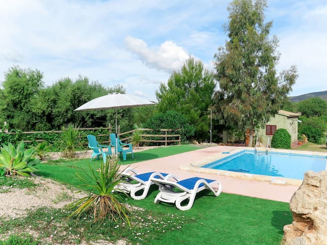 Holiday House Cardassar for 4 persons in Sant Llorenc