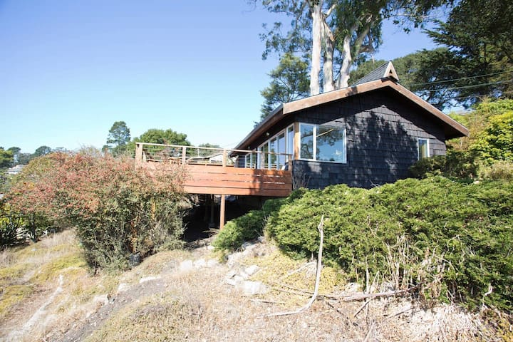Relaxing Private Home w/ Panoramic Bay Area Views
