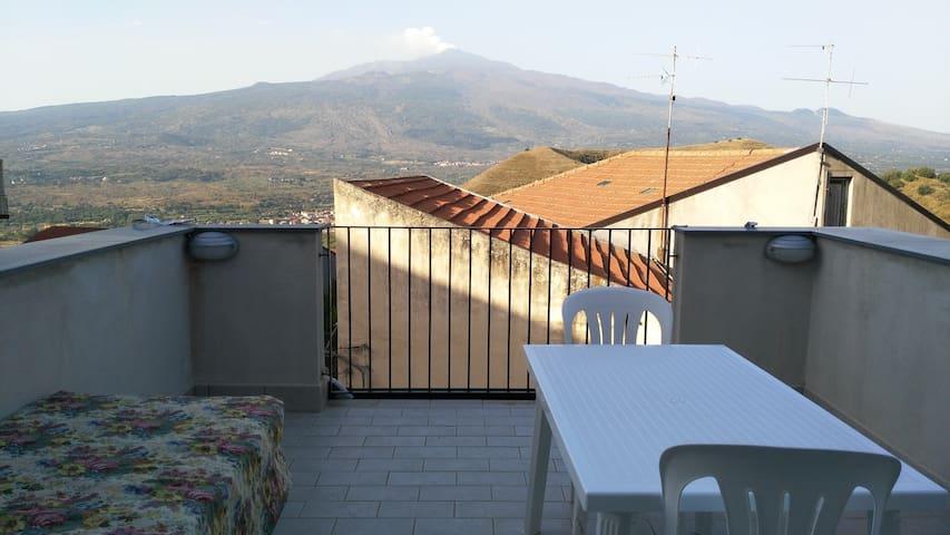 Panoramica casa vacanze Etna vigne - Malvagna - Talo