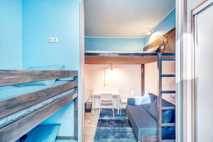 BLUE FAMILY PRIVATE ROOM+TV+Sauna+Breakfast+ Park
