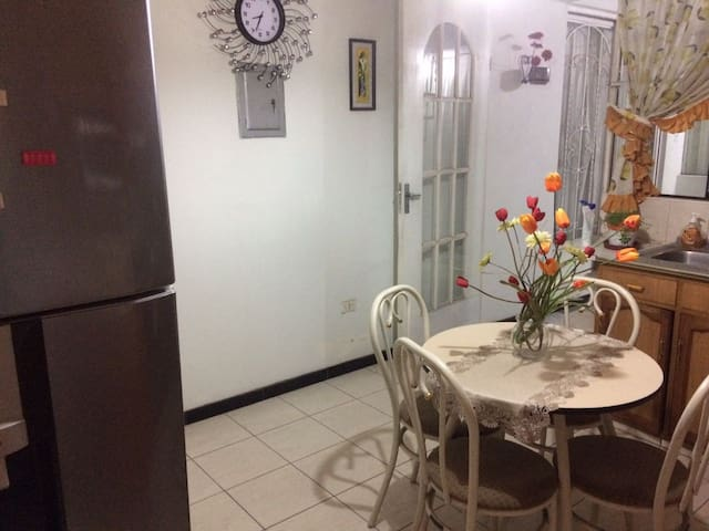PRIVATE APARTMENT TWO ROOMS AREQUIPA - José Luis Bustamante District - Lejlighed