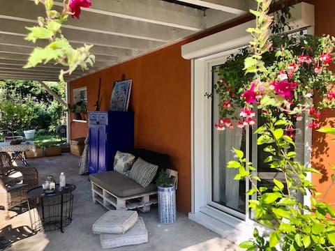 Studio calme avec terrasse proche de Lyon