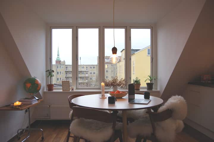 Beautiful, bright apartment in the middle of Århus