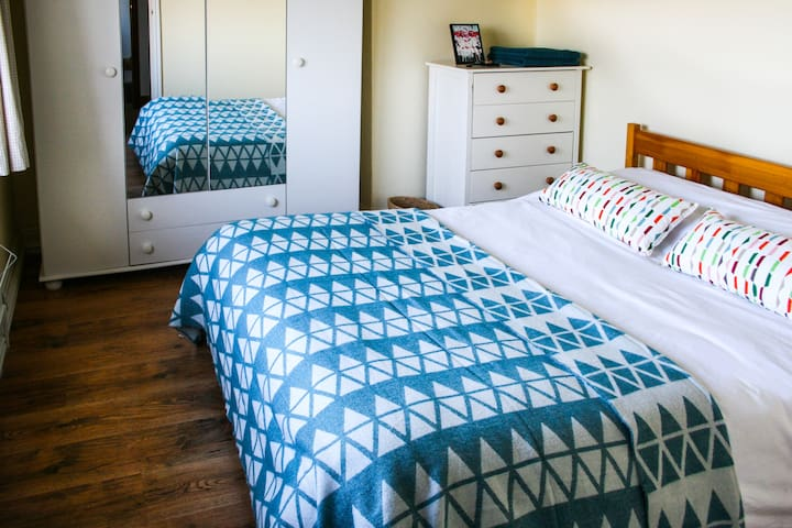 Lovely house near Cambridge room for 1 or 2 guests