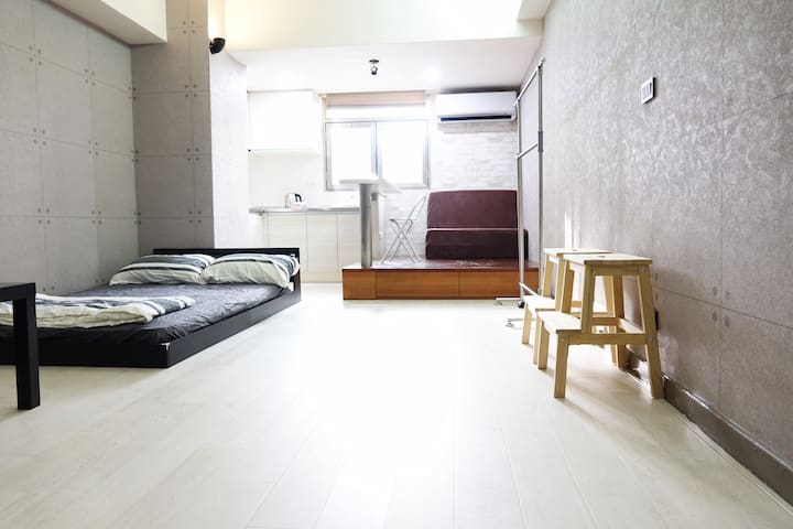 Large suite , for 2-6 persons. in Ximendin