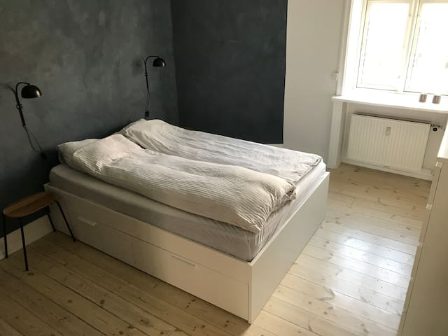 Bedroom with a one and a half man bed