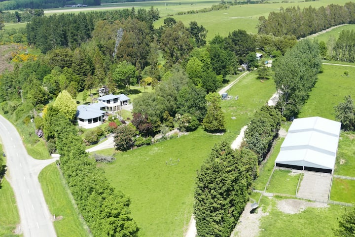 Tranquil farm stay in rural South Canterbury.