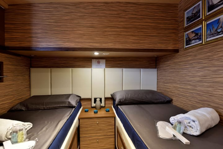 Charming Boat&bed BLUE III Private Twin-bed room
