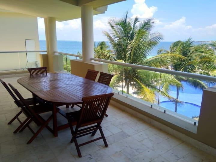 Luxurious Oceanfront Penthouse