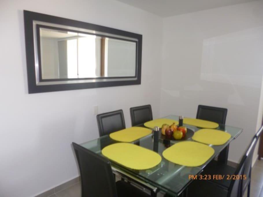 Modern dining room Comeor moderno