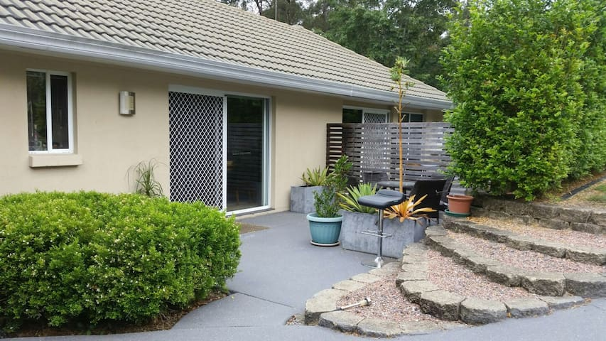 3x bed dog friendly house - Nerang