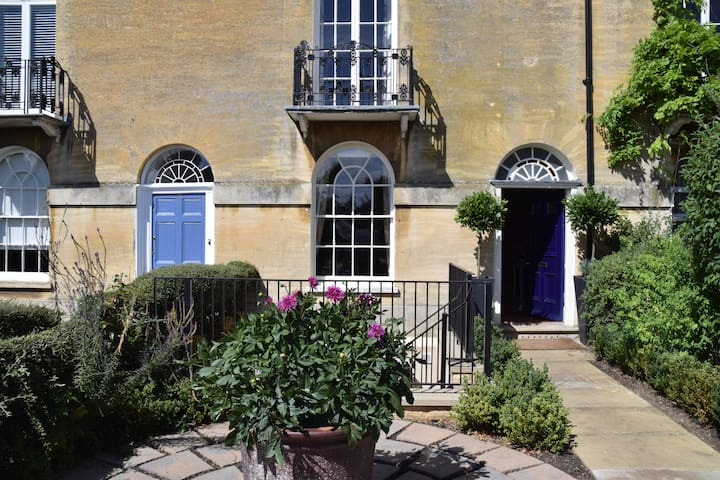 Beautiful Georgian Terraced House, First Floor - Stamford - Apartemen