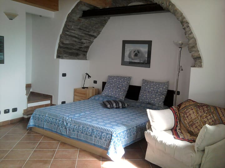 APPARTAMENTO IN COLLINA  4 km dal mare-only by car