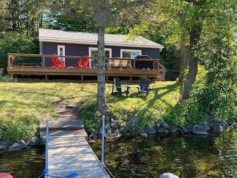 The Four Season Waterfront Cottage