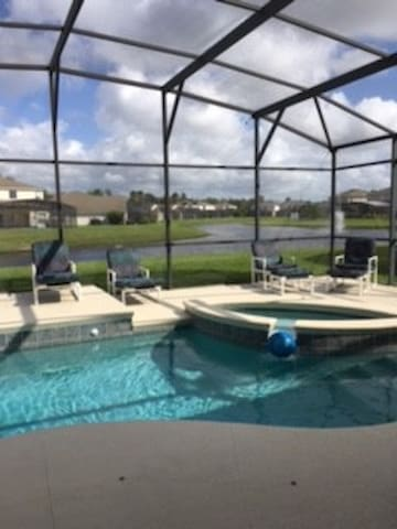 Close to Theme Parks. Best stay in town ! - Kissimmee - Chambre d'hôtes