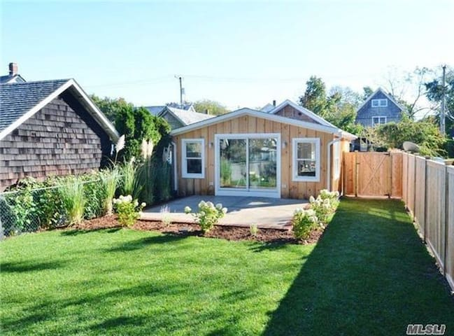 Brand New Modern Greenport Bungalow - Greenport - Hus