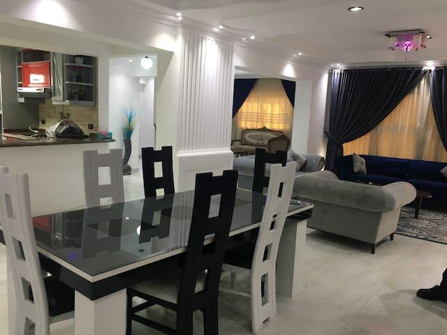 Appartement familial lumineux avec blacon 170m2