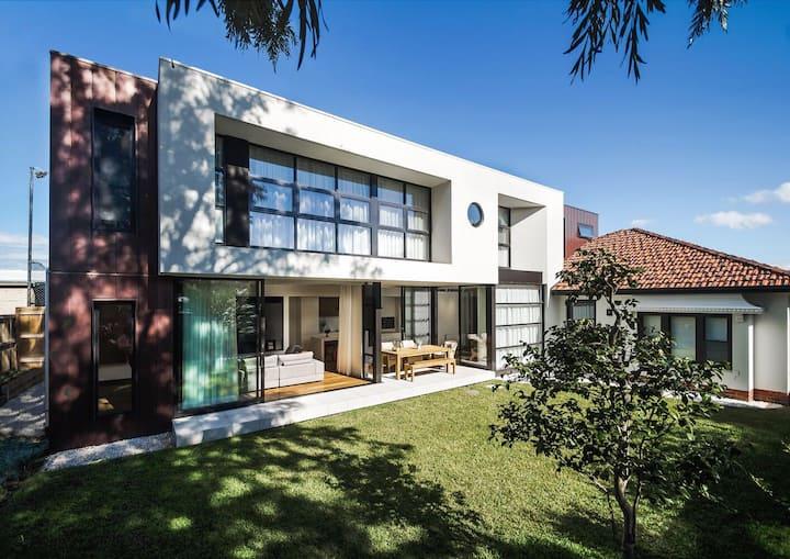 Elegant room in Modern Architect Deigned House