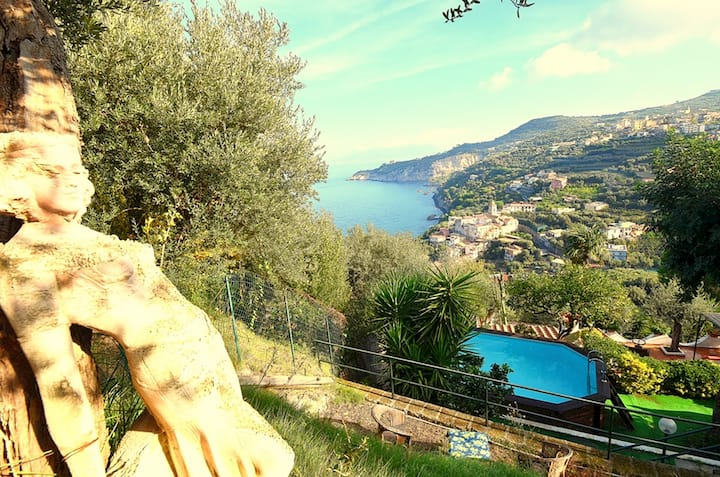 Villa Lobra with Private Swimming Pool, Sea View, Terraces and Free Parking