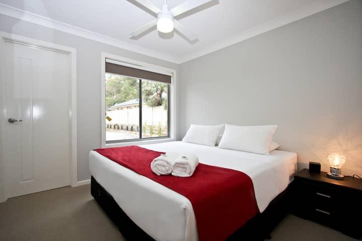 Cardiff - Two Bedroom Villas Apartment