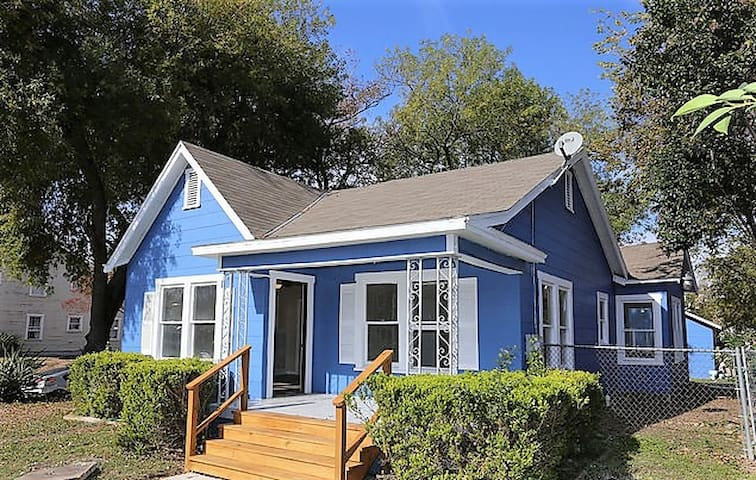 Blue Craftsman Home #1. Only 3 miles to the Alamo!