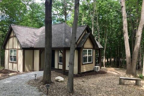The Oak Cottage at Vineyard Woods