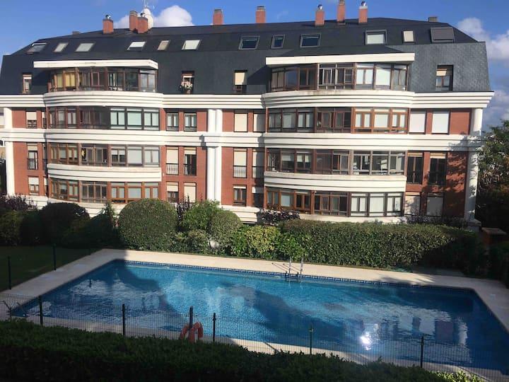Piso Santander muy amplio con piscina cerca playas