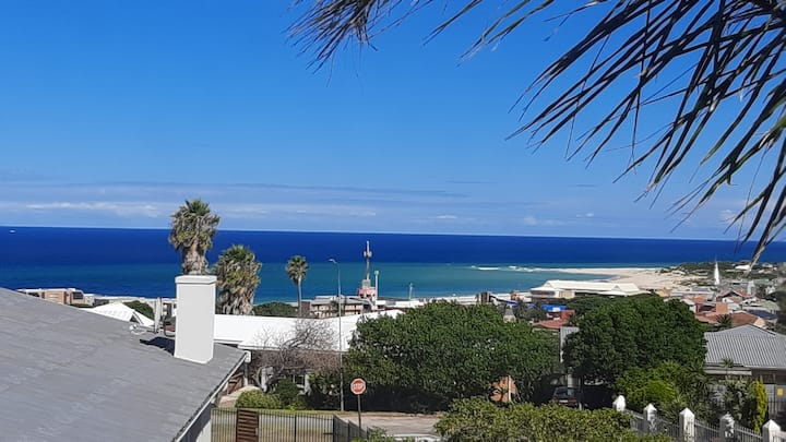 SEAVIEW modern, Central,Entire house&Self catering