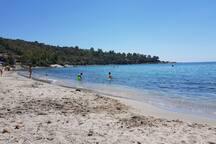 spiaggia di Portu Frailis (a 2 Km)