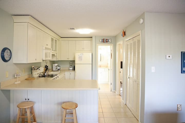 30 YAY! Beach Condo– in the heart of Seagrove Beach!