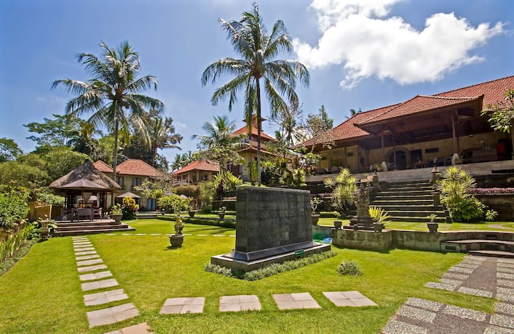 Hotel Villa Ubud - Gianyar - Bed & Breakfast