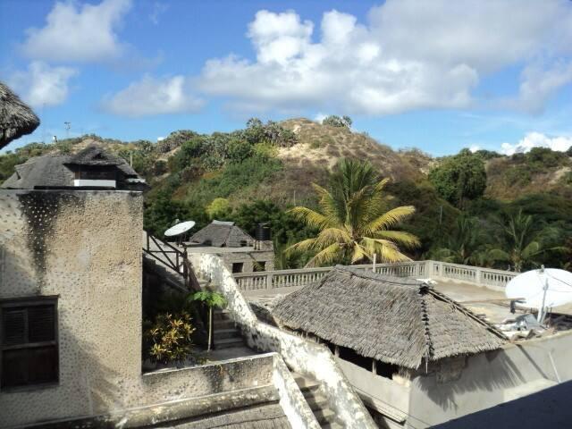 Hisani-House